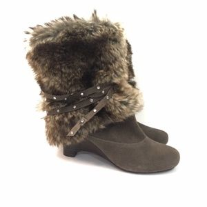 Naughty Monkey Brown Suede Fur Boots size 9